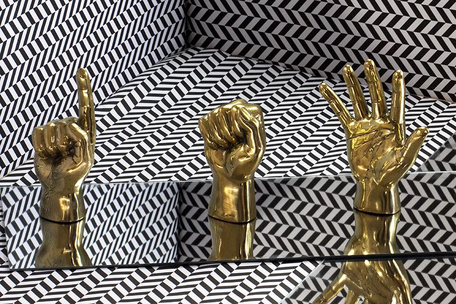 brass_hands2
