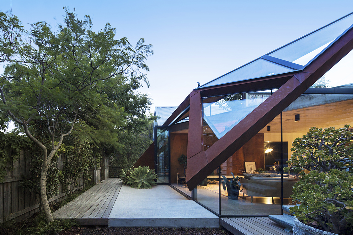 Melbourne Architect Damian Rogers Echoed The Triangular Roof Forms And  Created An Angular Structure Frame Of Weathering Steel. It Leans Toward The  Existing ...