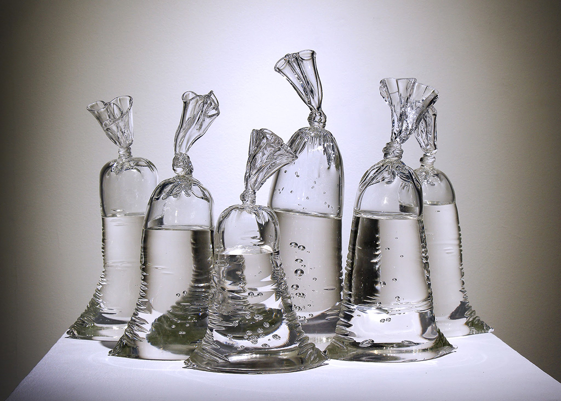 Glass Sculptures In The Shape of Plastic Bags - The Cool
