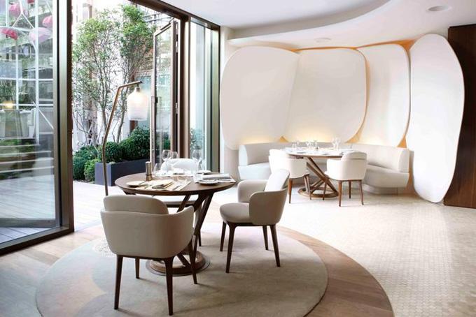 camelia restaurant mandarin oriental hotel paris the cool hunter the cool hunter. Black Bedroom Furniture Sets. Home Design Ideas