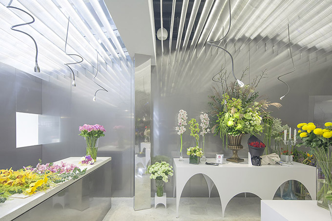 Absolute florist in shanghai china the cool hunter for Flower shop design layouts